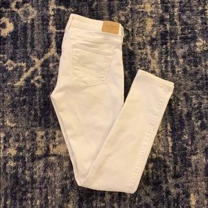 Abercrombie & Fitch White Skinny Jeans
